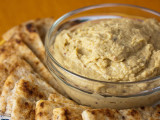 hummus with pita chips green valley
